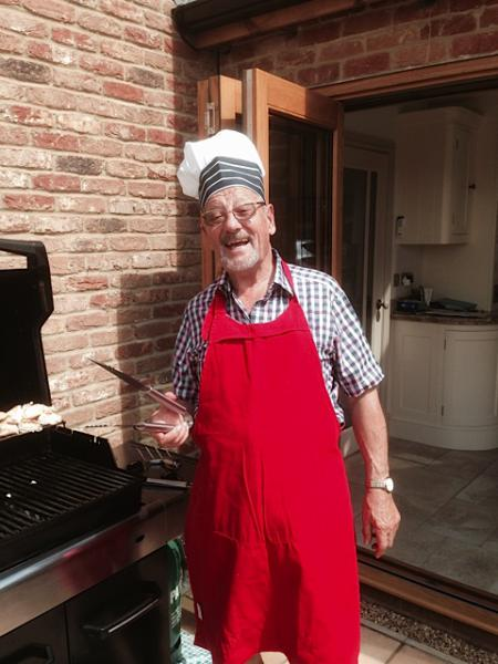 BBQ chez Ison - Mike looks the part