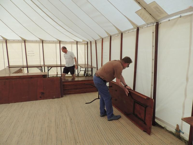 Toot Hill Show 2013 - The most important job of the evening - setting up the bar