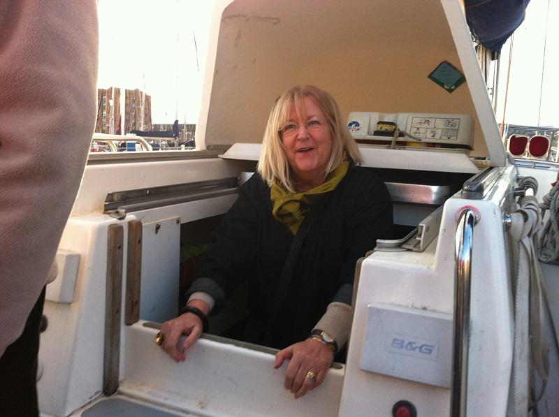 About our Club - Tour of Cat Zero boat in Hull marina