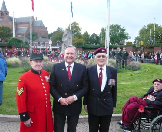 Arnhem Comemoration Visit - Trevor with Bill sanders and Chelsea Pensioner