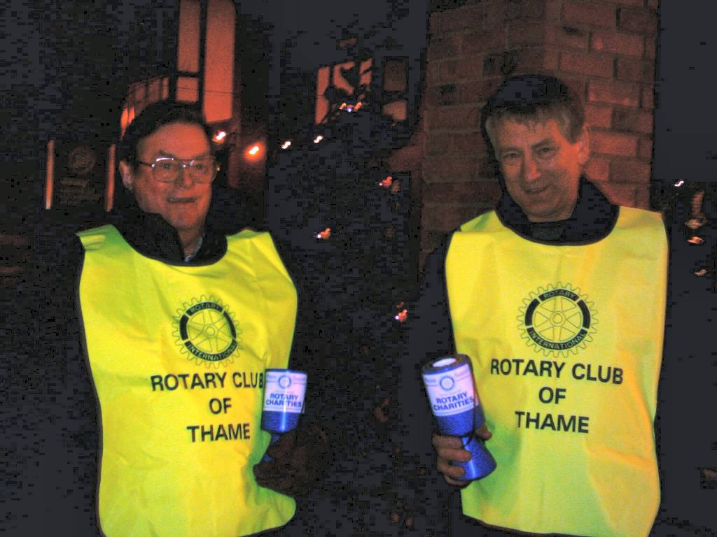 Waitrose Collection December 2005 - Richard and Ross collecting