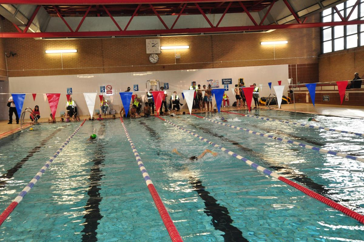 Purley Swimathon 2018 - Pictures - Swimathon in full swing!