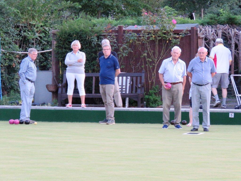 An evening at the Newbury Bowls Club -