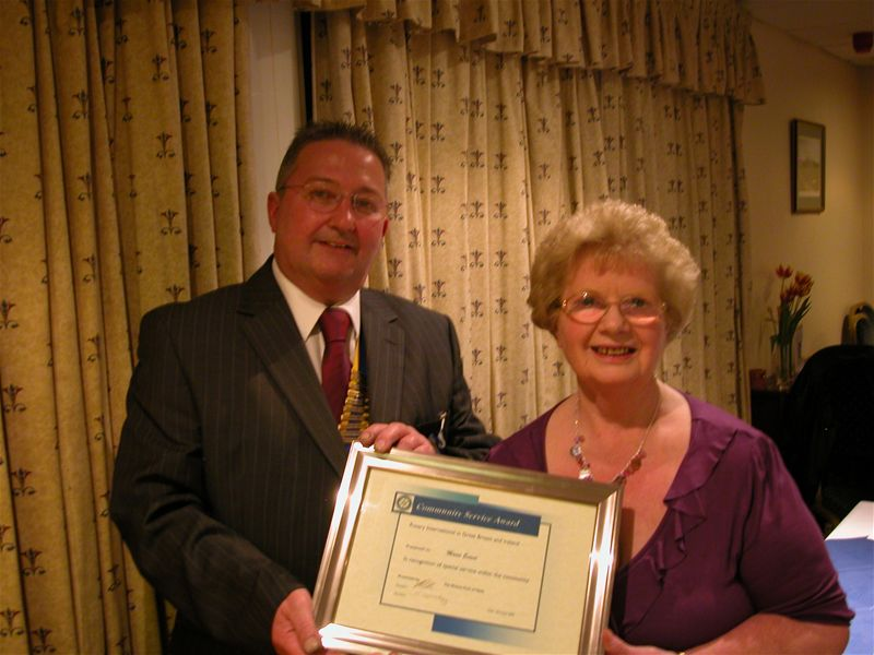 Rotary Community Awards 2009 - President Kevin presents Award to Mavis Evans