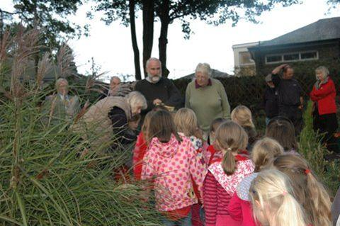 Oakworth Sensory Garden  - Oakworth Rainbows came to help plant crocii as part of the 'Focus on Crocus' in aid of the Rotary End Polio campaign