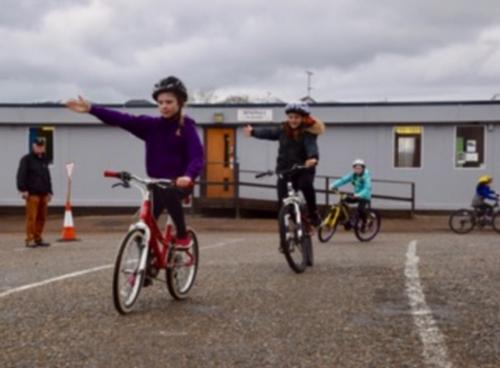 Primary School Cycling 2018/2019 - Good hand signsls