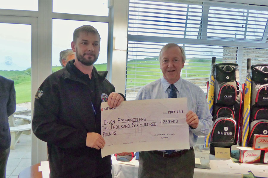 2018 Charity Golf Day - Donation of cheque to Devon Freewheelers Emergency Voluntary Service with Steve Kerr