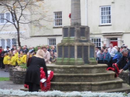 Remembrance Service 2015 - Laying the wreath down