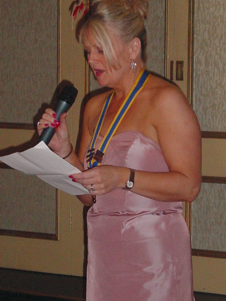 President's Night, May, 2004, Duke of Cornwall - President Lesley addresses members & guests.