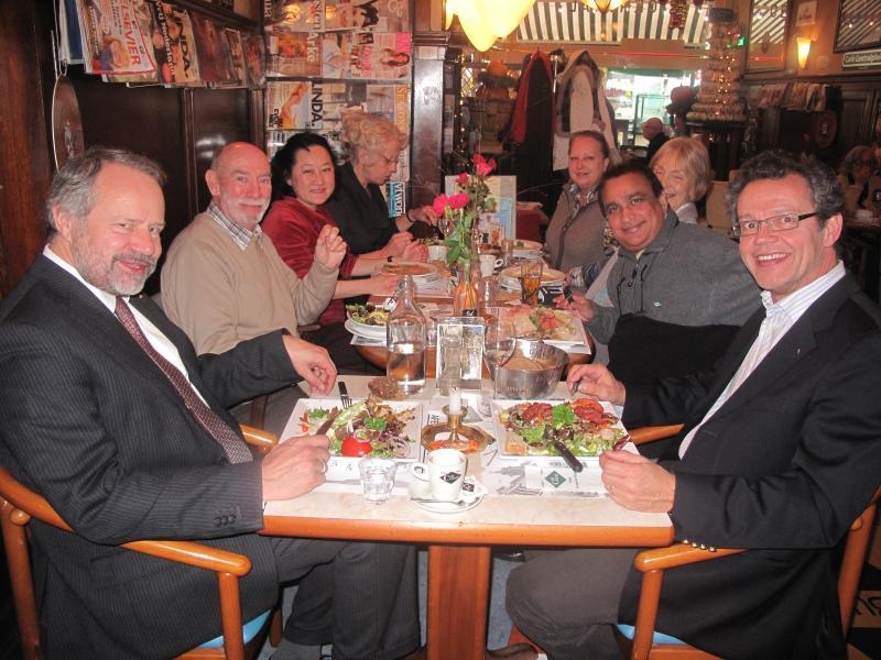 Club members visit Gouda Rotary Club - light lunch in gouda market square