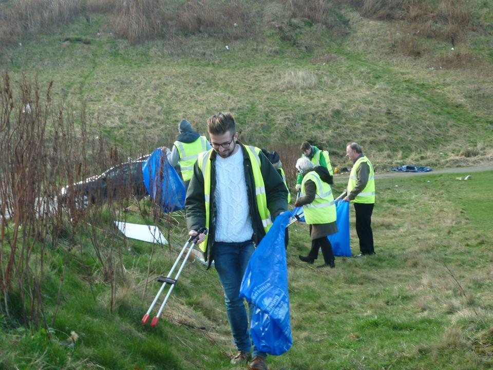 Rotaract & Rotary in Action - Rotaract Quarterly Litter Pick - Litter Pick team at work.