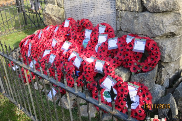 REMEMBRANCE DAY PARADE AND WREATH LAYING. LYNDHURST - At the War Memorial at Boltons Bench.