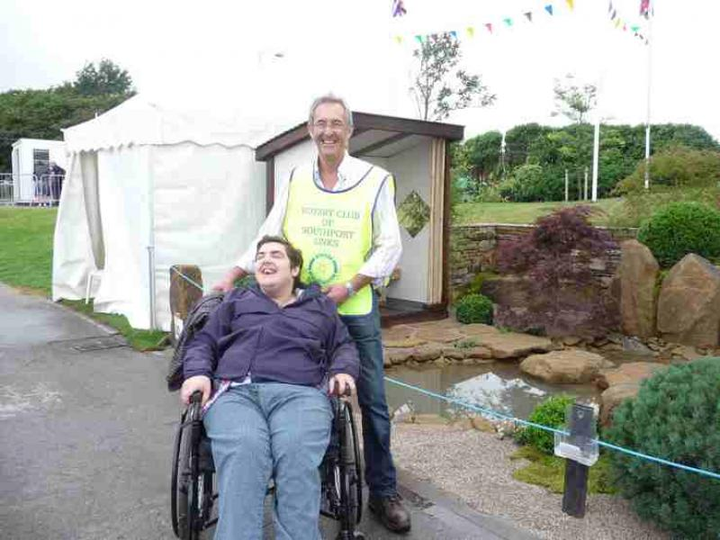 The Southport Flower Show - Wheelchair Push - 2012 - rotary-club-of-southport-links-2012-flower-show-201203