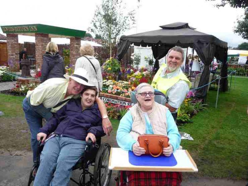 The Southport Flower Show - Wheelchair Push - 2012 - rotary-club-of-southport-links-2012-flower-show-201205