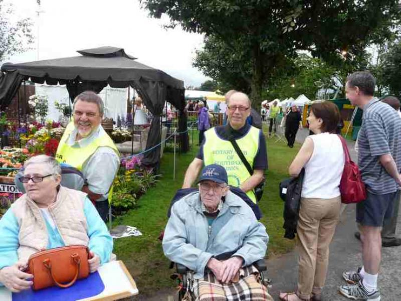 The Southport Flower Show - Wheelchair Push - 2012 - rotary-club-of-southport-links-2012-flower-show-201206
