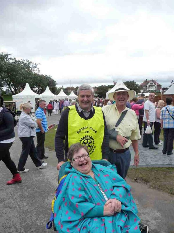 The Southport Flower Show - Wheelchair Push - 2012 - rotary-club-of-southport-links-2012-flower-show-201207