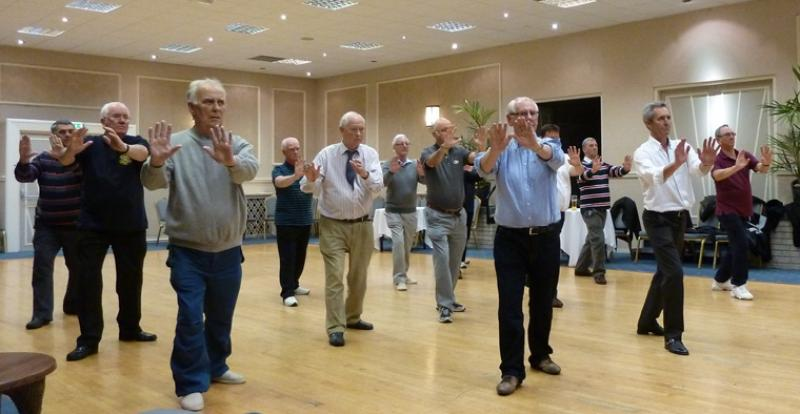 Tai Chi with Bernie Coates - rotary-club-of-southport-links-Thi chi-10
