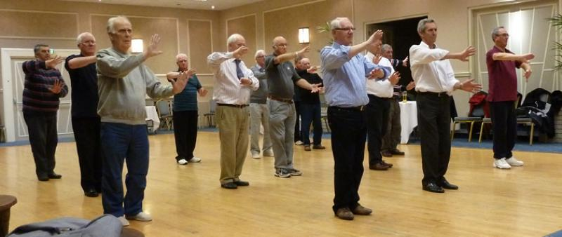 Tai Chi with Bernie Coates - rotary-club-of-southport-links-Thi chi-11