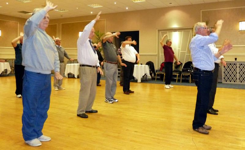 Tai Chi with Bernie Coates - rotary-club-of-southport-links-Thi chi-3