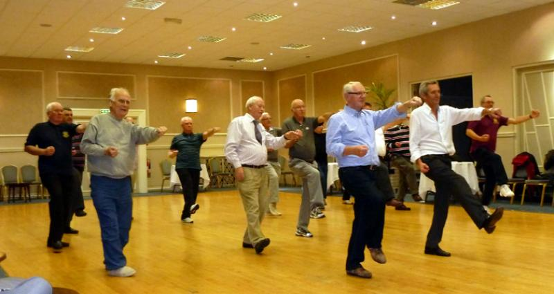 Tai Chi with Bernie Coates - rotary-club-of-southport-links-Thi chi-5