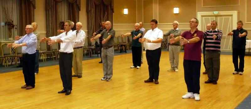 Tai Chi with Bernie Coates - rotary-club-of-southport-links-Thi chi-7