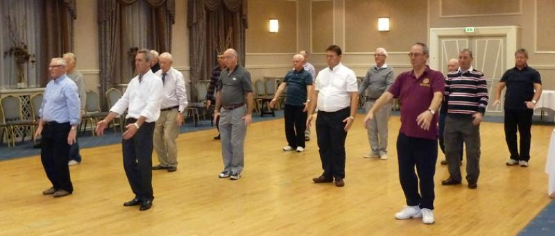 Tai Chi with Bernie Coates - rotary-club-of-southport-links-Thi chi-8