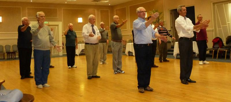 Tai Chi with Bernie Coates - rotary-club-of-southport-links-Thi chi