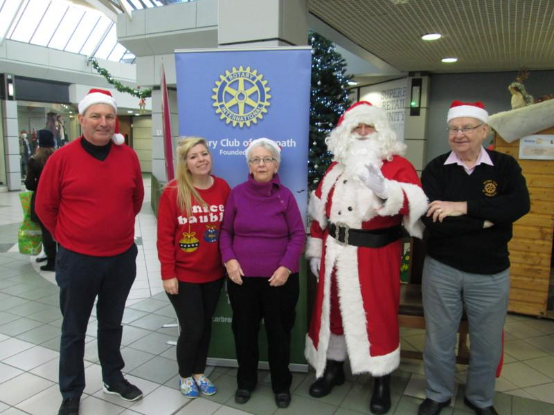 Club Photo Gallery pre July 2015 - Santa at the Abbeygate 2014