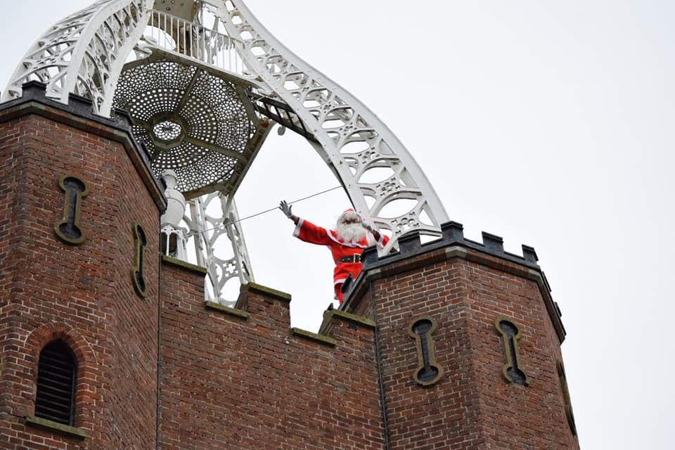 Pop-Up Santa's Christmas journey - day 11 (second venue) - It's one thing going to the top but another thing risking plummeting down without a parachute.