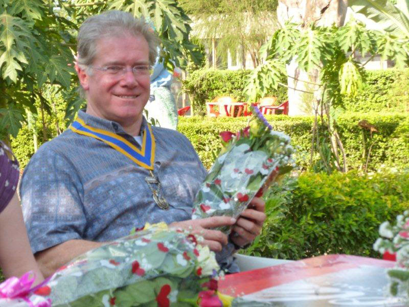 Memories of Tanzania - Iain with gifts