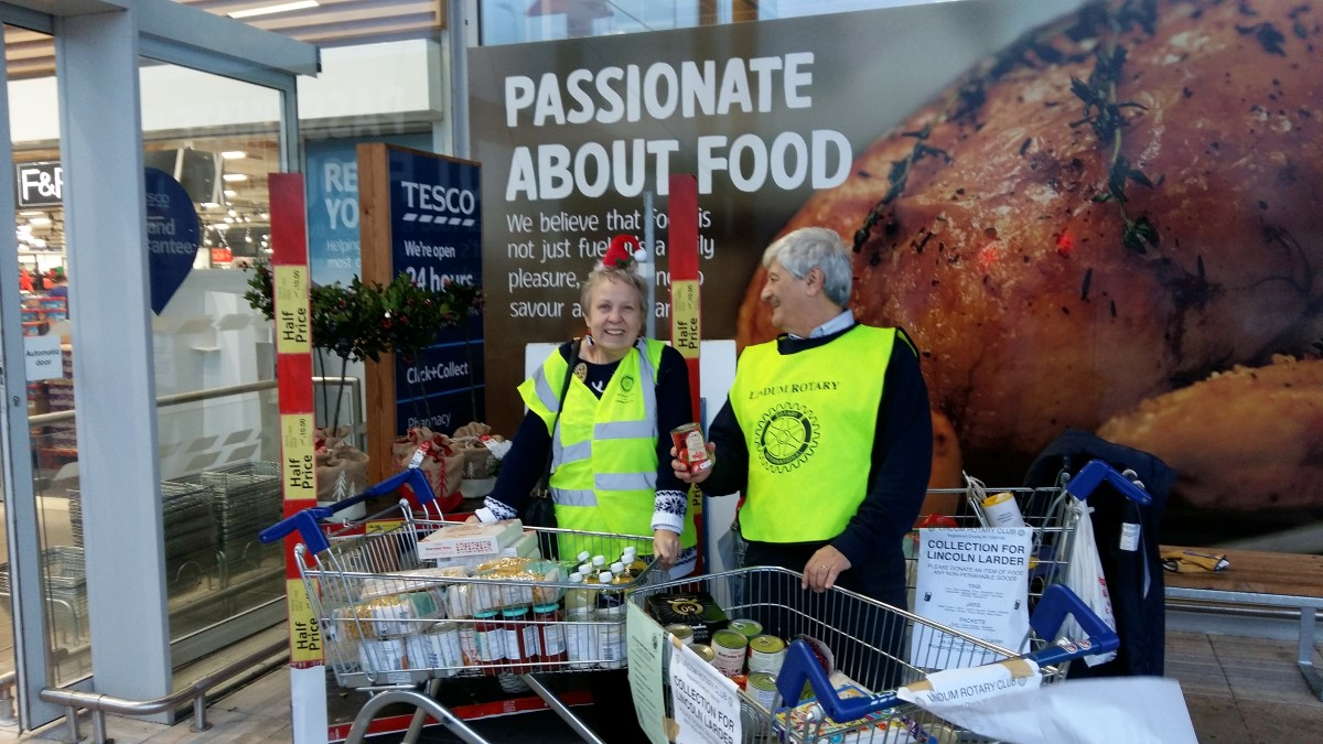 Photos From 2016 / 2017 Rotary Year - tesco collection for Lincoln Larder