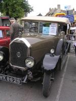 Chipping Norton Car Day - The Humber 14...anyone for tennis and then a picnic....Jeeves will drive us.