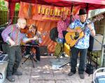 CHIPPY JAZZ AND MUSIC 2013 - Fiddlebop strikes up Gipsy jazz