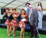 GENERAL - Carnival girls with Mayor
