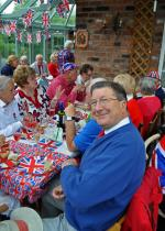 2012 06 05 Jubilee Party - Robbie looking very smart.