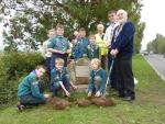 The Queens Drive - The Scouts help us plant bulbs