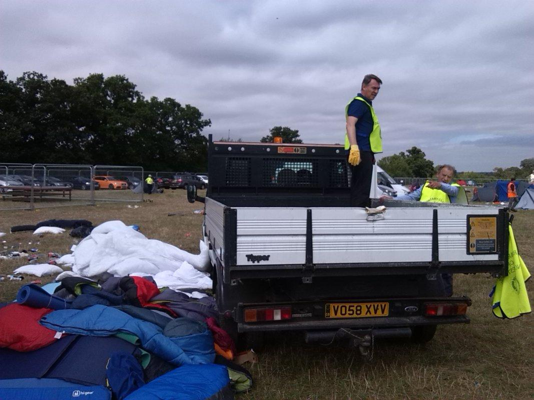 V Festival Clear Up - Helder unloading the 1st collection