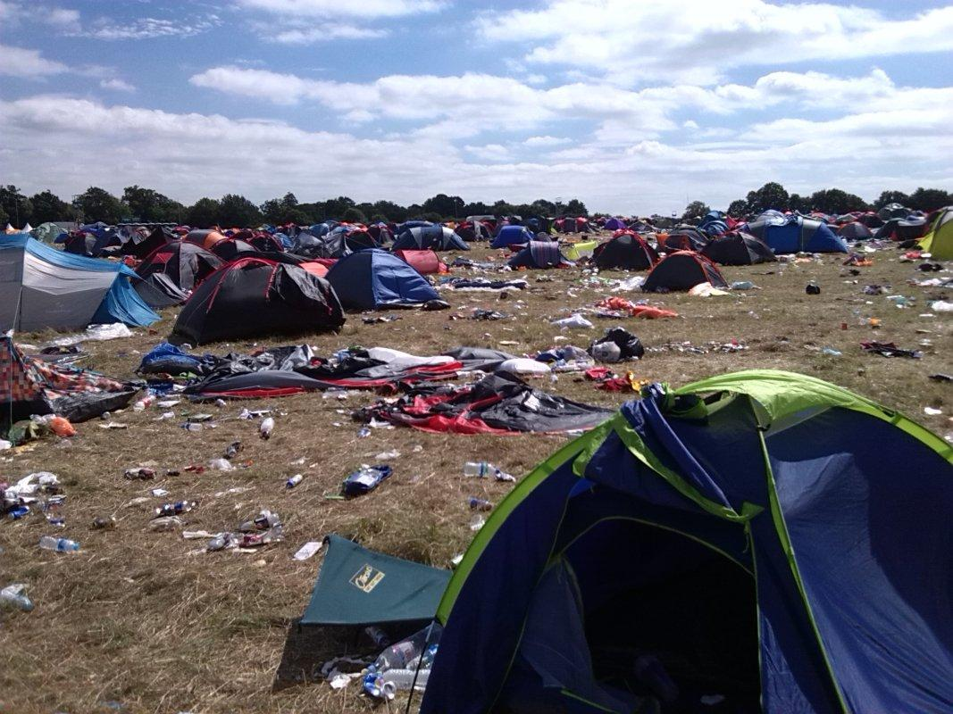V Festival Clear Up - More tents