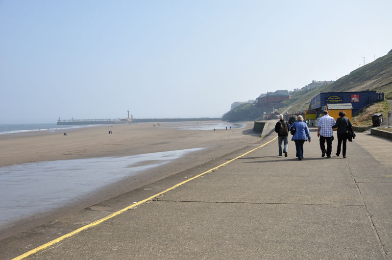 Whitby Weekend - walk into whitby