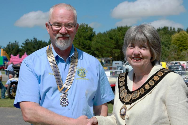 WHEELS 2015 A GREAT SUCCESS - President Nick Pickles with Town Mayor Pam Starling