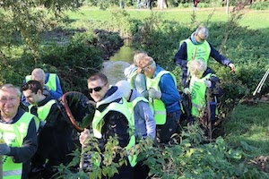 Cleaning the River Ravensbourne