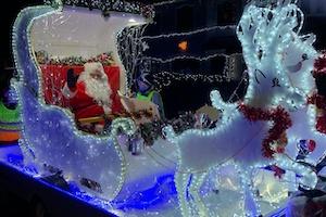 Santa visits Erith